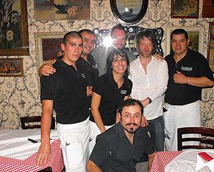 Thom y Nigel junto al staff de Liguria