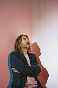 Thom Yorke  - Phil Fisk para The Observer